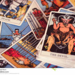 Descubre el significado de la carta del Diablo en el Tarot